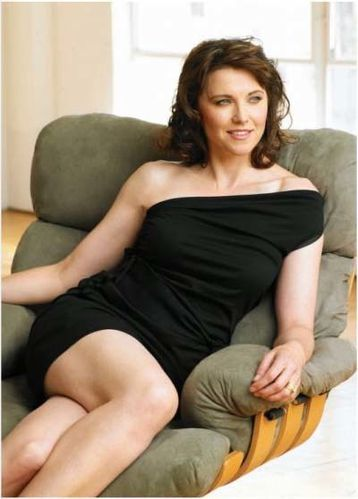 01 Lucy Lawless