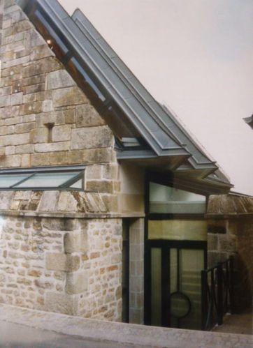 Mur de pignon préservé, Bretagne nord