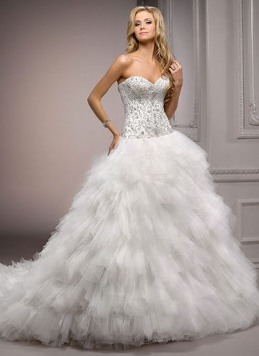 robe de mariee plumes blanches