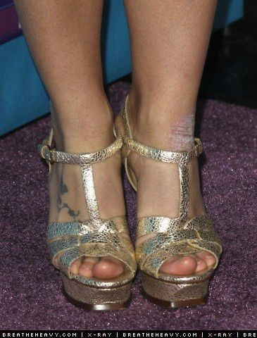 Britney-Spears-Feet-872381.jpg