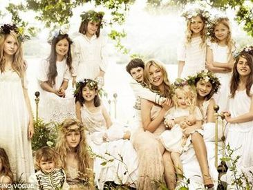 kate moss bridesmaids vogue 400x300