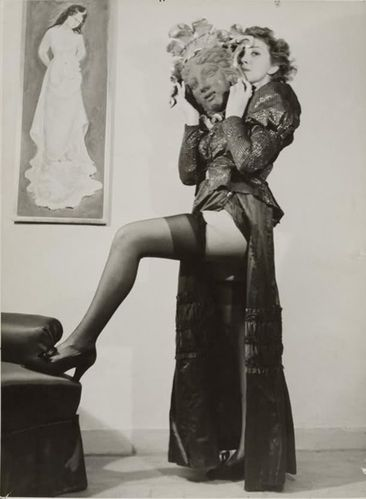 Photo---Leonor-Fini---Paris---1937.jpg