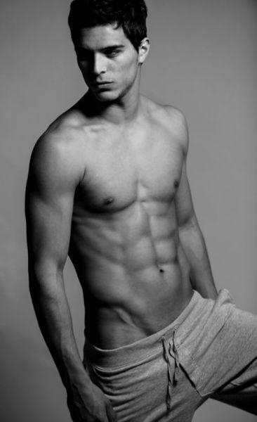 Steven-Brocos-Hot-Model-Burbujas-De-Deseo-04-482x790.jpg