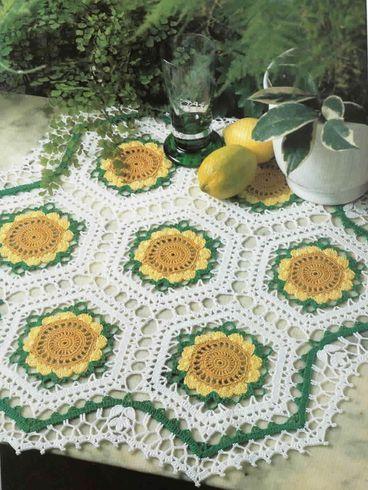 napperon aux fleurs jaunes