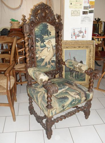 fauteuil style louis xiii vendre. Black Bedroom Furniture Sets. Home Design Ideas