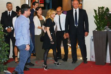 20130822-pictures-madonna-hard-candy-fitness-center-rome-01.jpg