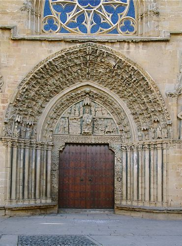 cathedrale-olite-portail.jpg
