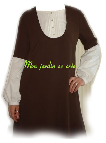 robe-marron-zoom.jpg