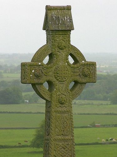 449px-Rock of Cashel-cross