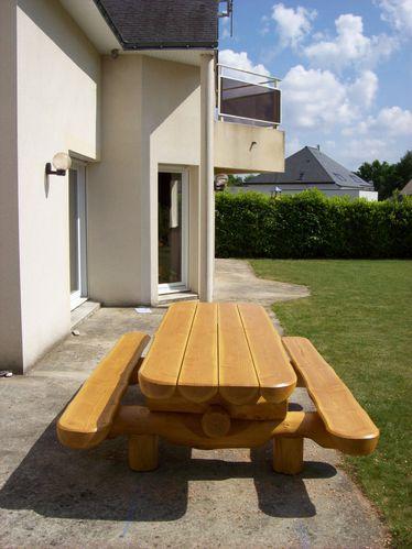 table jardin bois massif