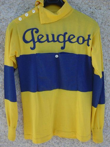 A maillot Peugeot 2