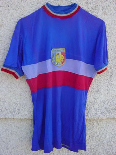 R-maillot-FRANCE-R.Lapebie.jpg