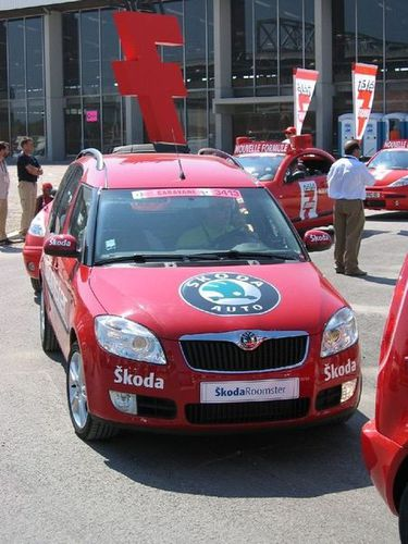 Collection de véhicules du Tour de France - Page 6 2006-Skoda-Roomster-Tour-de-France--102-