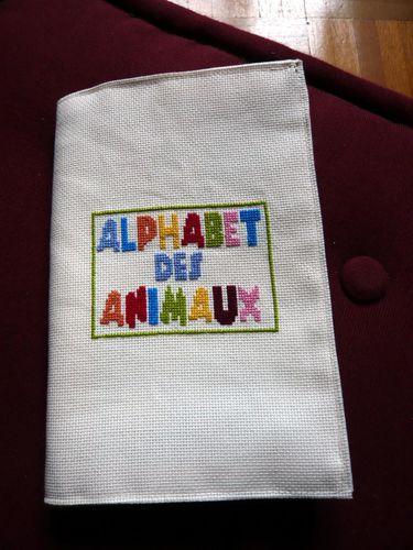 alphabet des animaux brodé par francine P