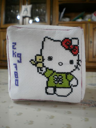 hello-kitty-brode-par-francoise.jpg