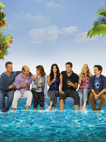 Bobby-Andy-Elle-Hulia-Grayson-Laurie-et-Travis-Cougar-Town-.jpg