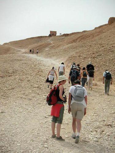 ascension de la montagne thébaine, vallée des ro