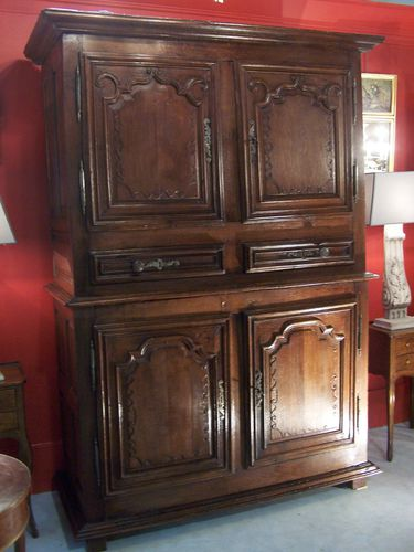 buffet deux corps antiquite courtier antiquaire achat vente expertise meubles anciens miroir. Black Bedroom Furniture Sets. Home Design Ideas