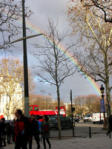 arc-en-ciel-paris.jpg