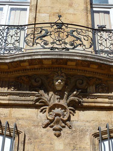 Hôtel d'Arhaud Jouques balcon