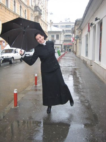 Timea matefi singing-in-the-rain