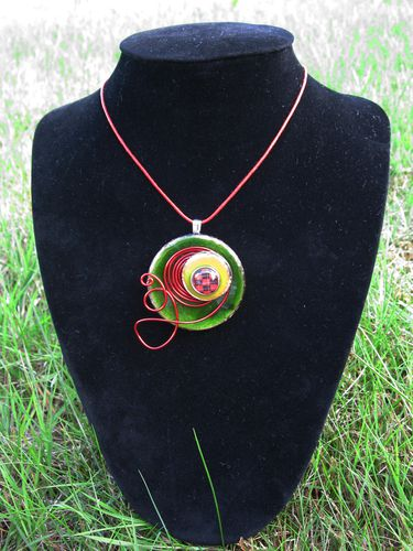 collier bouton 2