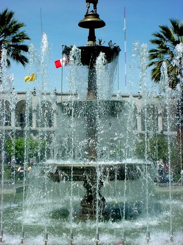 0281-AREQUIPA-Fontaine-Pl.-d-Armes.jpg