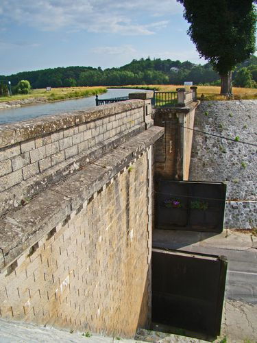 0980-BRIARE-Sous-le-Canal.jpg