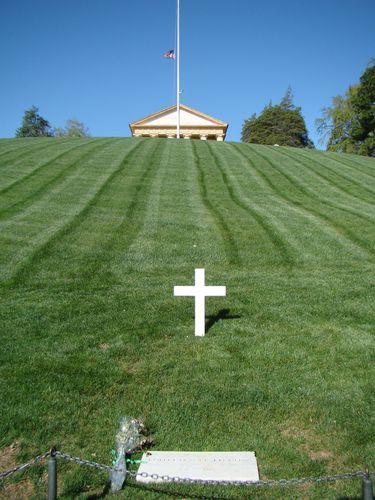 0099-ARLINGTON--Robert-F.-Kennedy-tombe.jpg