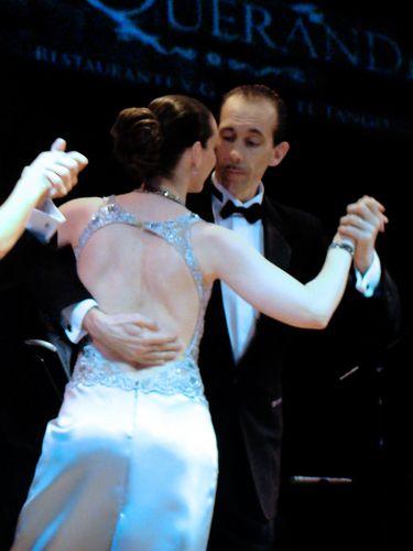 21678-BUENOS-AIRES-Danseurs-tango.jpg
