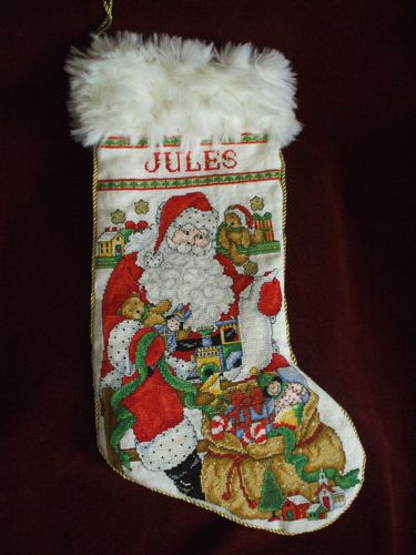CSC.JollySanta-Stocking.138b.JPG