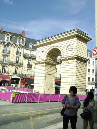 Porte-Guillaume---Copie.JPG