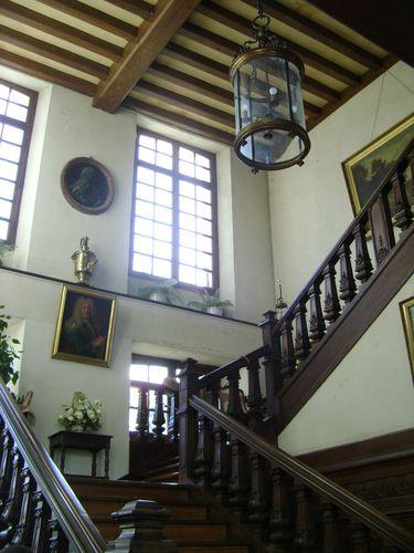 Interieur-du-chateau-escalier--3.JPG