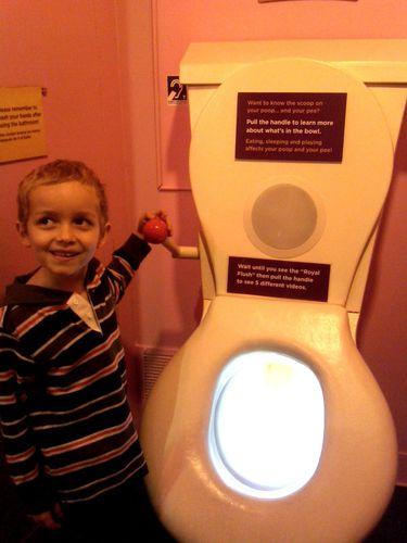 CMOM-toilettes.jpg