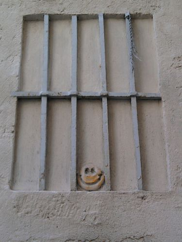 smiley-rue-broussonnet.jpg