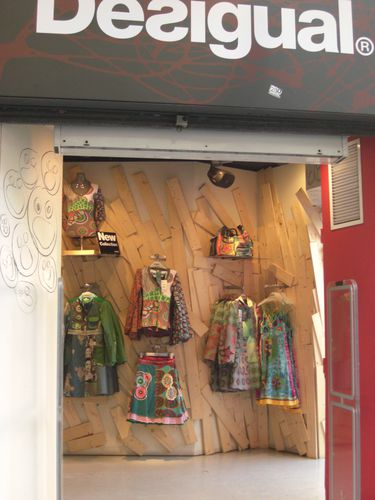 Retail-distribution-desigual.JPG