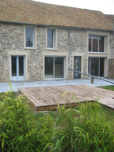 Terrasse en pierre bleue transformation renovation d 39 une for Cloture jardin pierre