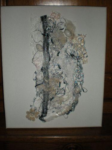 AT 04 2011 002