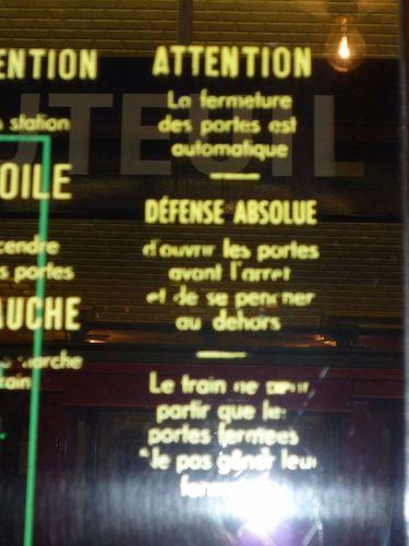 Ancien métro parisien - fermeture des portes automatique