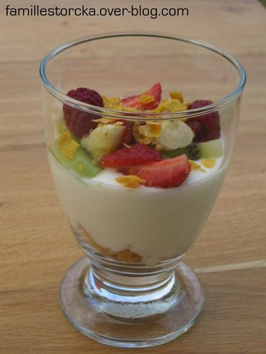 coupe fromage blanc fruits
