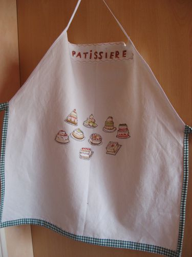tablier-fillette-theme-patisserie-taille-6-a-12-copie-6.jpg