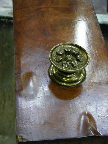 cloche placage sur tiroir a restaurer