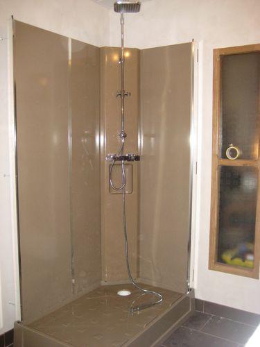 douche et lavabo notre maison. Black Bedroom Furniture Sets. Home Design Ideas