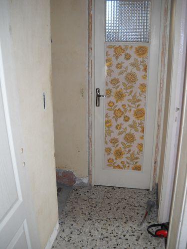 Couloir du rdc la maison aux 12 travaux - Installer une porte dans un couloir ...