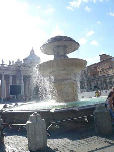 fontana_a_piazza_san_pietro_roma_01.jpg