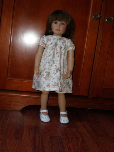 Lena dans sa robe kids