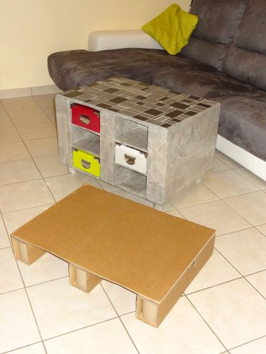 Table basse en carton l 39 atelier de babou for Table basse babou