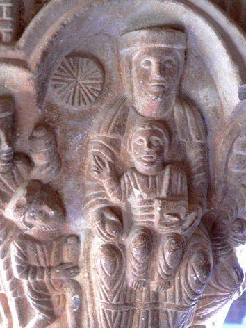 Vierge à l'enfant tenant entre ses mains le livre de la sa