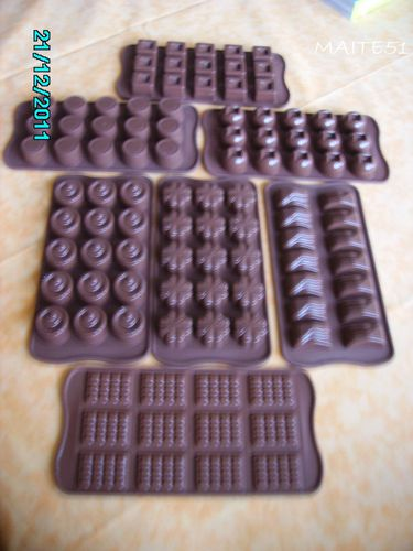 Moules-a-chocolats-en-silicone.JPG