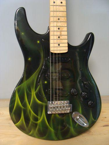 guitare-personnalisee--2-.JPG